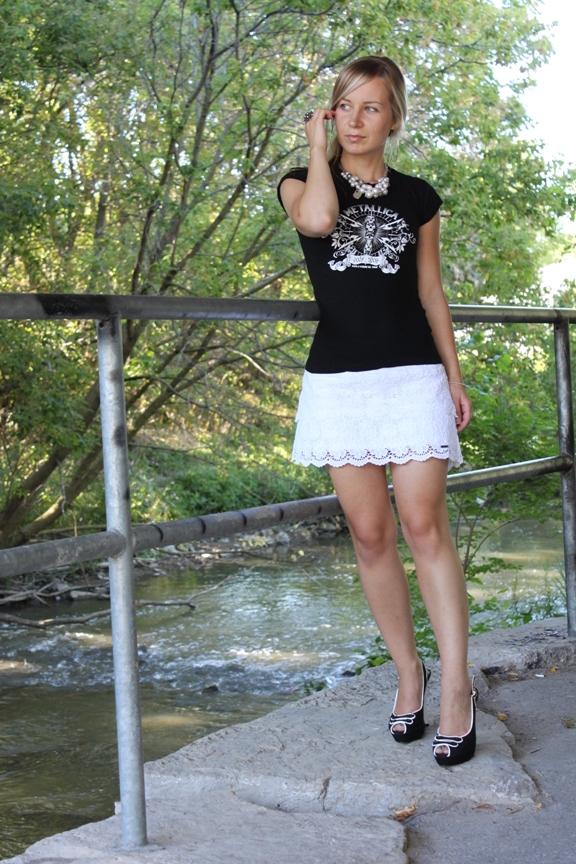 Metallica concert tee with lace miniskirt