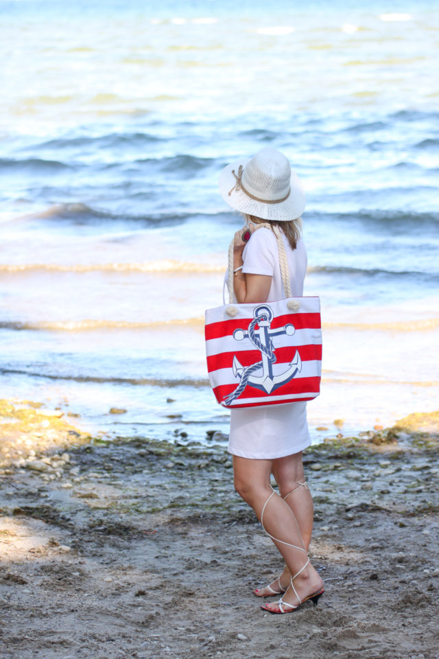 red and white nautical anchor tote