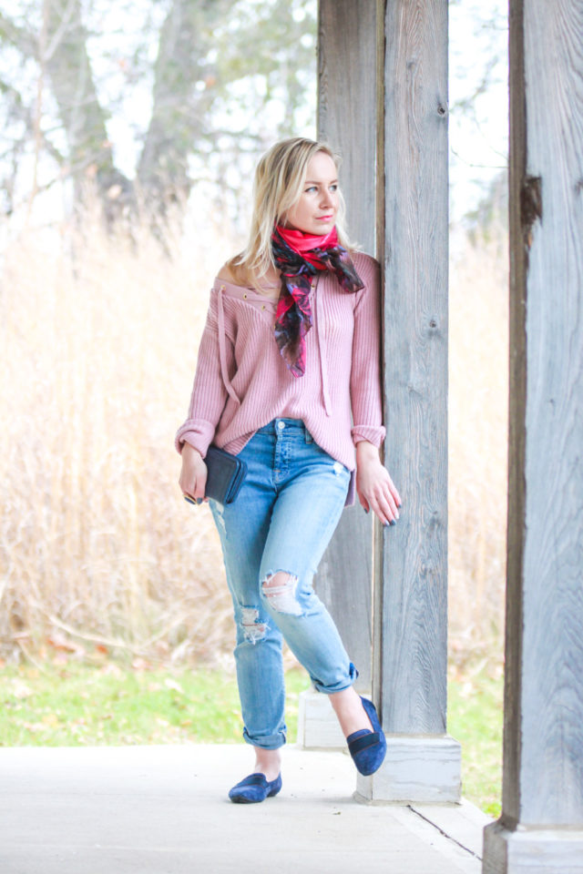 Floral Accents to Dress Up a Casual Outfit